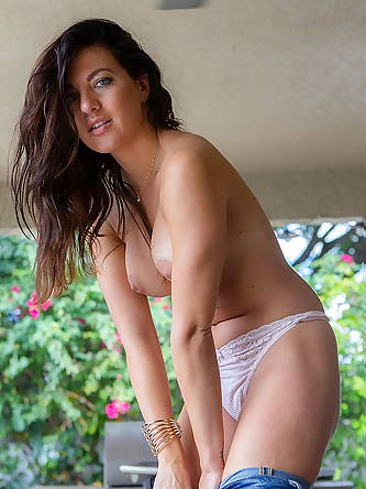 Brunette amateur Ana Greco slips off ripped...
